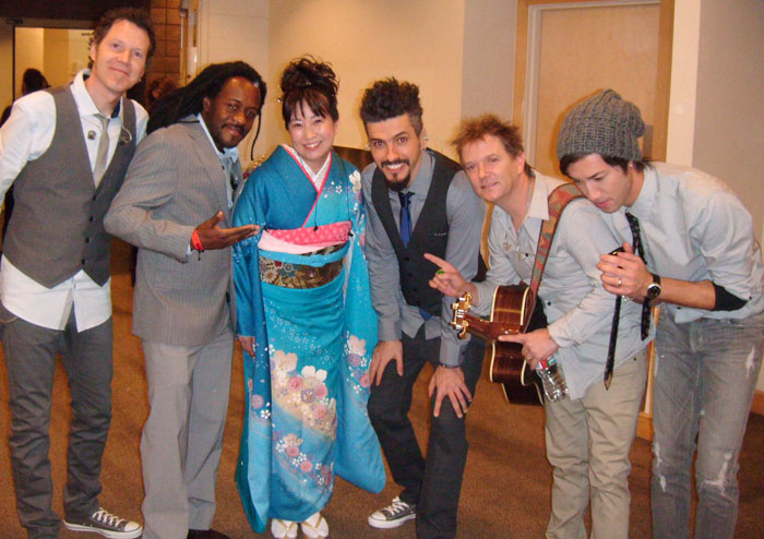 Shakira\'s Band at the Latin Grammy Awards with Yukiko Matsuyama